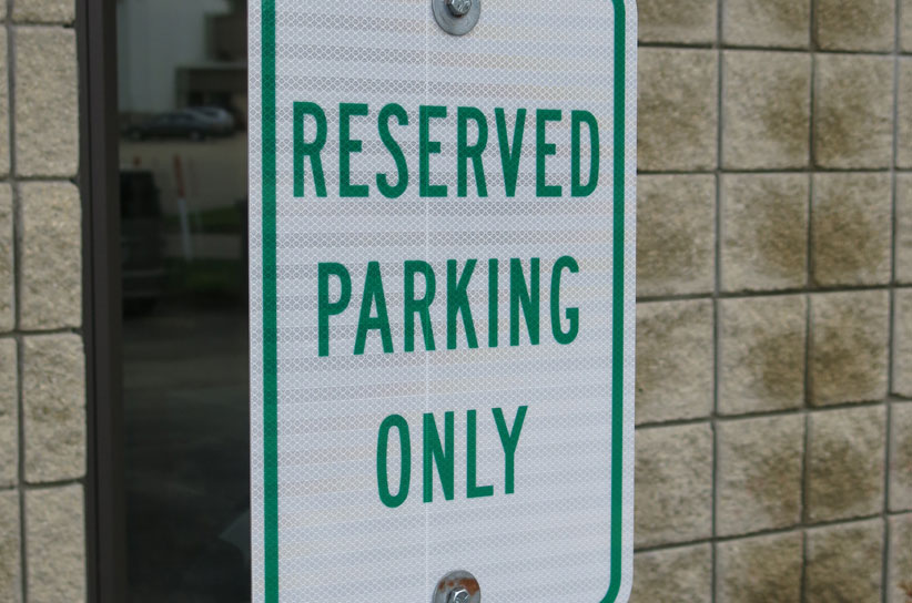 picture of parking lot sign